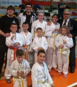 Gruppo medaglie bambini (2)